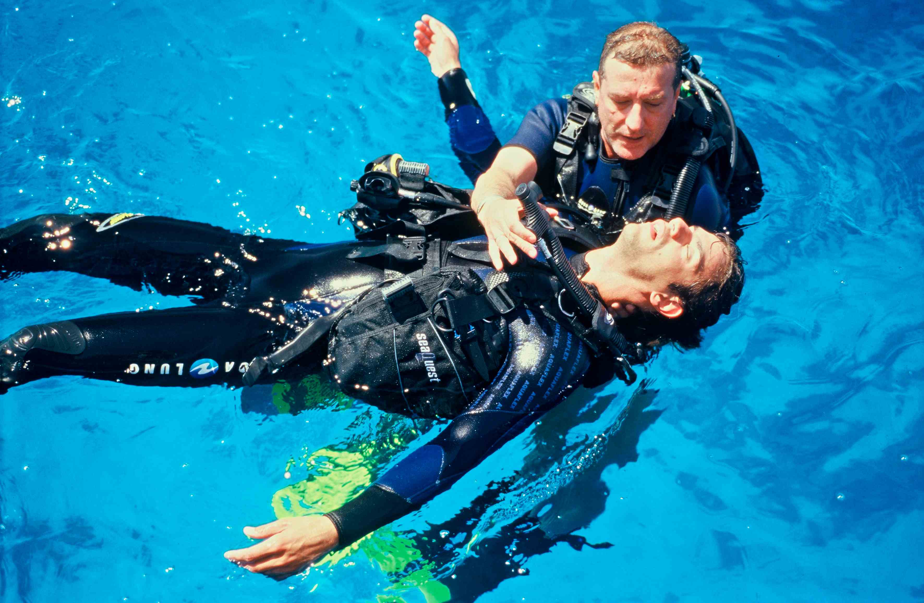 lentic_diving_rescue_diver